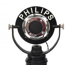 Een Philips koolmicrofoon type 4247, Nederland, 1937.