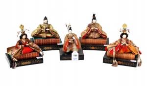 Vijf Japanse Ningyo poppen.